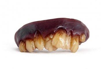 Dentier de zombie